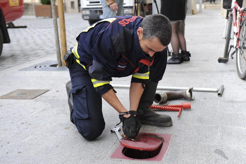 Mantenimiento de hidrantes y armarios de dotación