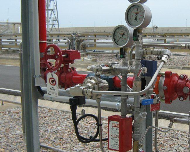Protección contra incendios mediante espuma de alta expansión.